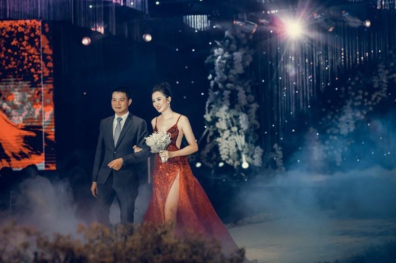 Không gian tiệc cưới xa hoa gây xôn xao tại Cần Thơ Ảnh 3