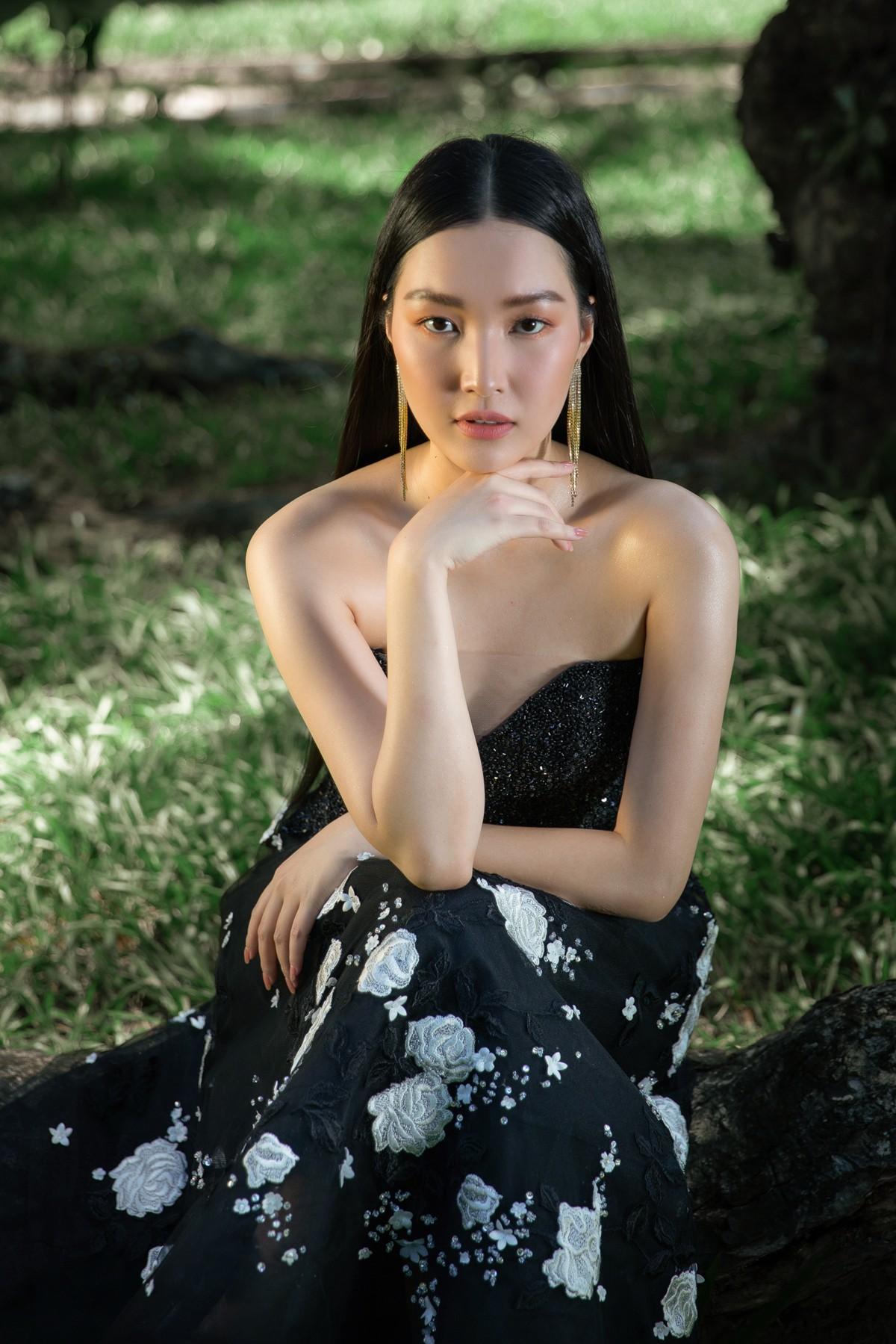 'Nàng thơ xứ Huế' Ngọc Trân cuốn hút với nét mơ màng trong loạt váy áo e ấp Ảnh 14