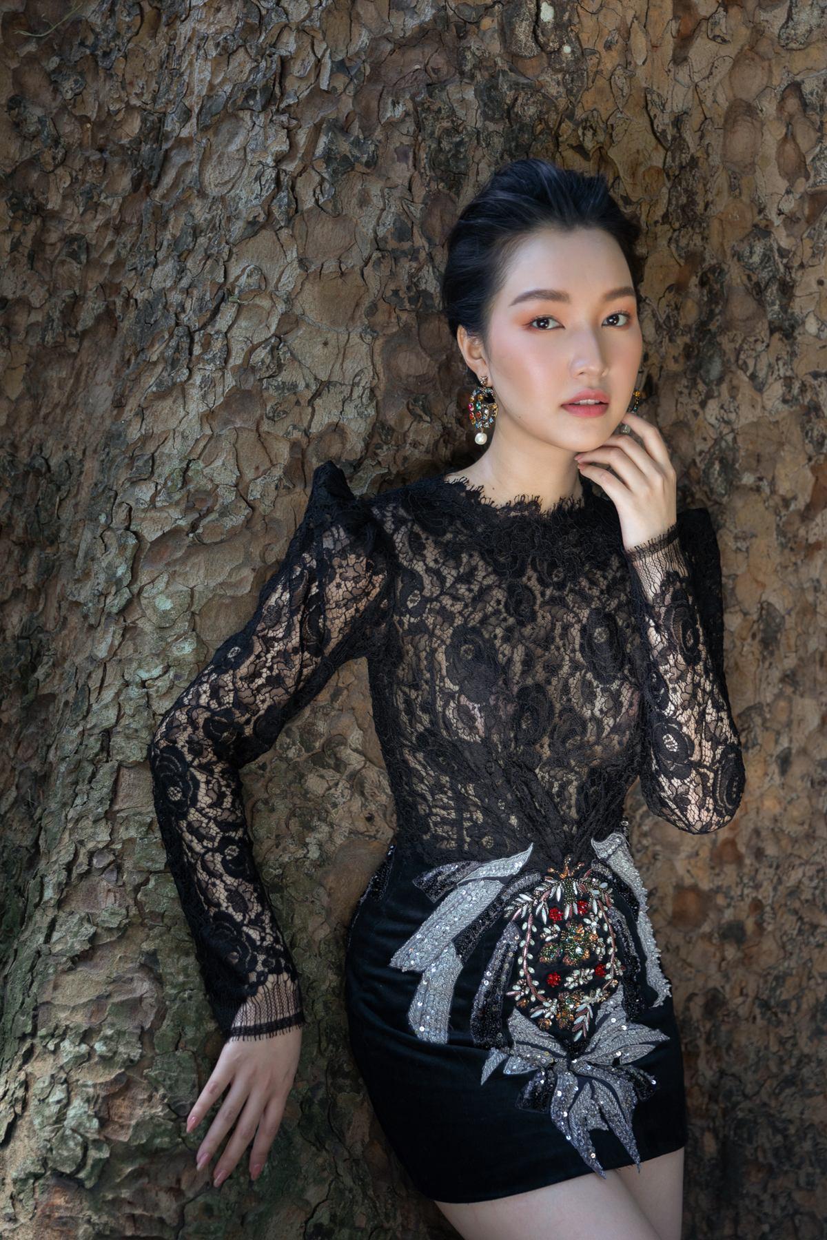'Nàng thơ xứ Huế' Ngọc Trân cuốn hút với nét mơ màng trong loạt váy áo e ấp Ảnh 22