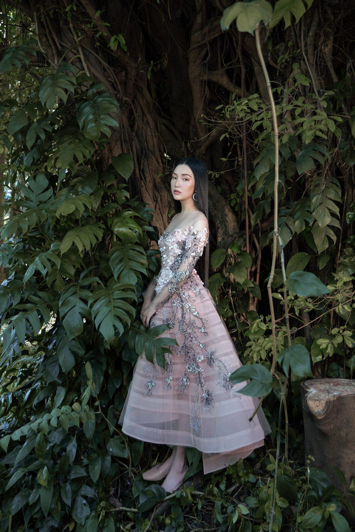 'Nàng thơ xứ Huế' Ngọc Trân cuốn hút với nét mơ màng trong loạt váy áo e ấp Ảnh 5