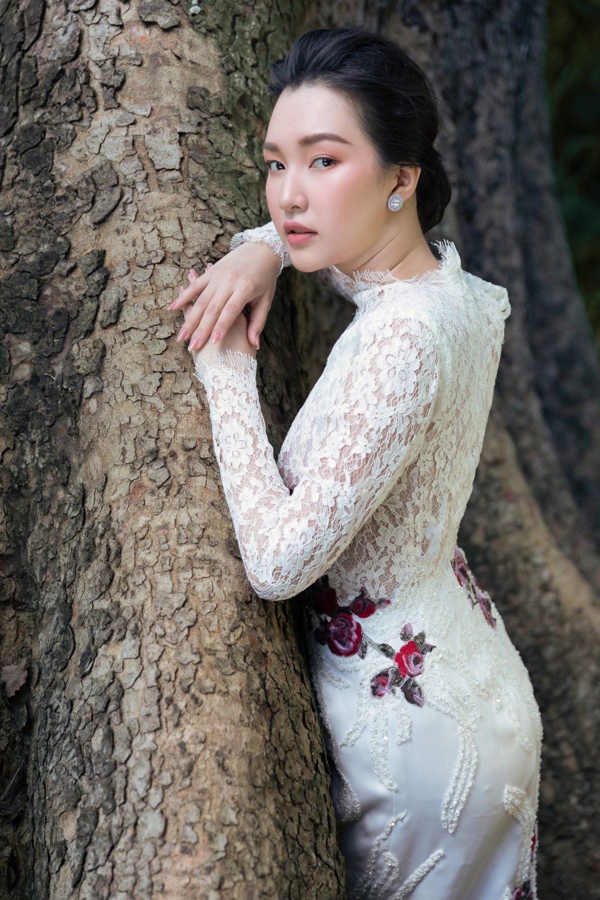 'Nàng thơ xứ Huế' Ngọc Trân cuốn hút với nét mơ màng trong loạt váy áo e ấp Ảnh 16