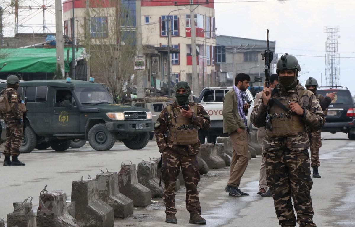 Gần 80 người thương vong trong vụ tấn công cơ quan an ninh Afghanistan Ảnh 1