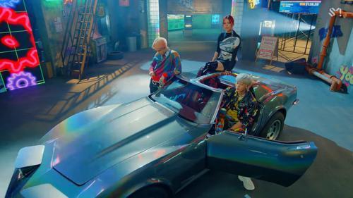 Chỉ sau 1 ngày trở lại, EXO-SC đã lập kỷ lục mới khi trở thành nhóm nhỏ Kpop đầu tiên làm được điều này Ảnh 1