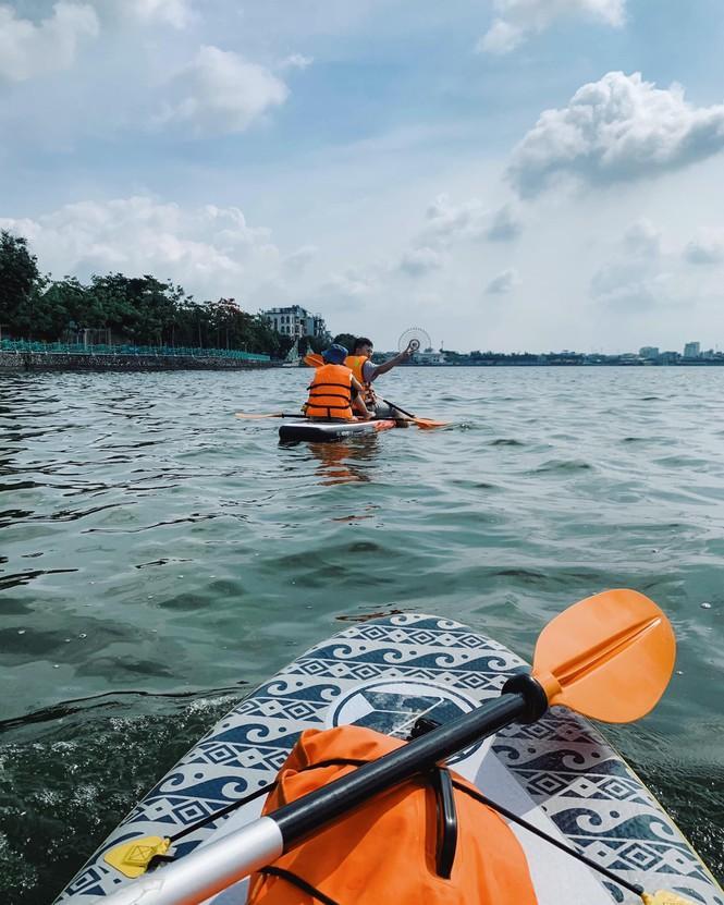 Hà Nội: Chèo thuyền SUP Hồ Tây không mới nhưng lạ, bạn đã thử chưa? Ảnh 5