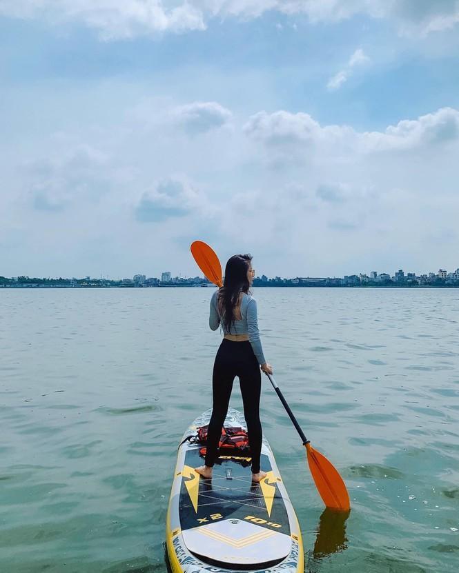 Hà Nội: Chèo thuyền SUP Hồ Tây không mới nhưng lạ, bạn đã thử chưa? Ảnh 4