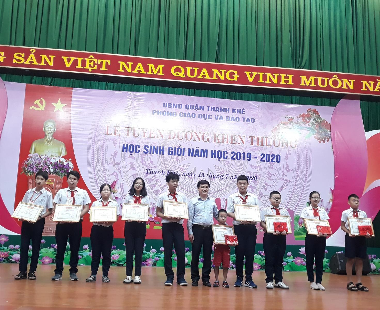 Quận Thanh Khê (TP Đà Nẵng): Tuyên dương, khen thưởng HS giỏi Ảnh 1