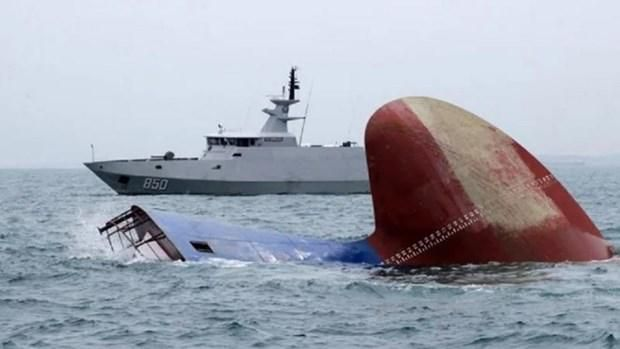Tàu hải quân Indonesia bị chìm ngoài khơi tỉnh Đông Java Ảnh 1