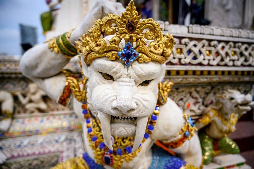 Chùa Thái Lan kỳ lạ với tượng David Beckham đặt dưới bệ thờ Ảnh 8
