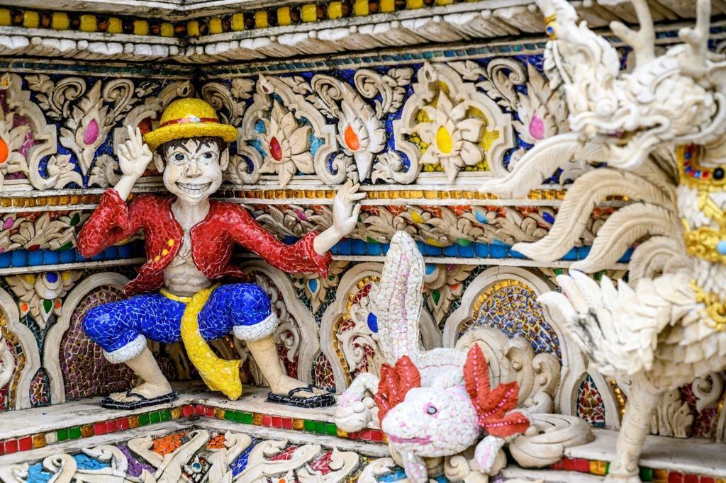Chùa Thái Lan kỳ lạ với tượng David Beckham đặt dưới bệ thờ Ảnh 9