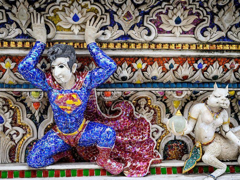 Chùa Thái Lan kỳ lạ với tượng David Beckham đặt dưới bệ thờ Ảnh 7