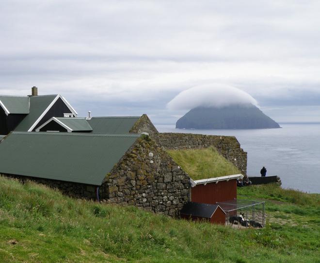 Hòn đảo trơ trọi hút khách vì hiện tượng thiên nhiên hiếm có Ảnh 4