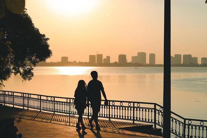 Hoàng hôn hồ Tây: Điểm check-in, thư giãn của giới trẻ Hà Thành Ảnh 10