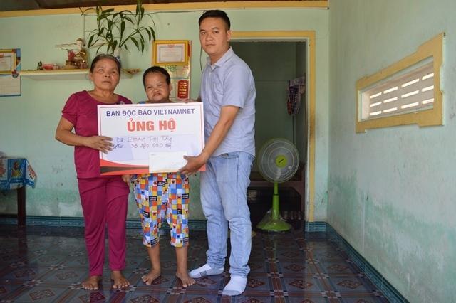 Trao hơn 50 triệu đồng cho 2 gia đình có hoàn cảnh éo le ở Quảng Ngãi Ảnh 1