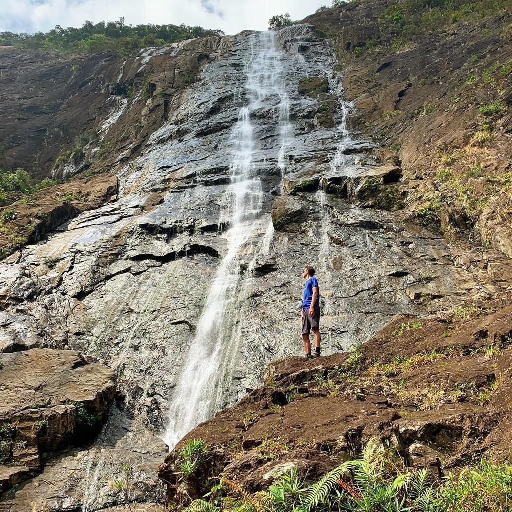 Ngắm thác chảy, săn mây trên đỉnh Bạch Mã Ảnh 7