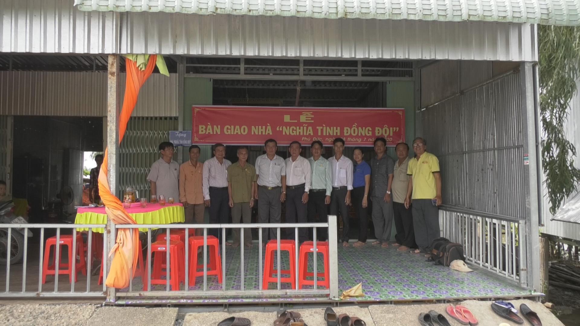 Chăm lo nhà nghĩa tình đồng đội ở huyện Tam Nông Ảnh 1