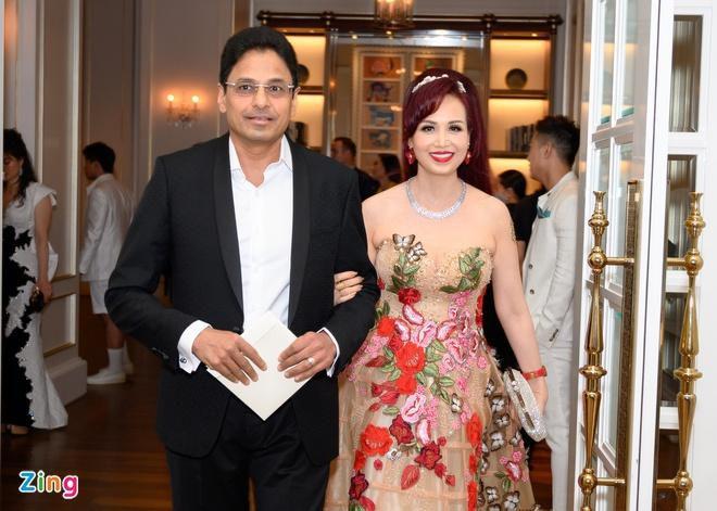 H'Hen Niê và dàn hoa hậu so kè váy áo ở show thời trang Hoàng Hải Ảnh 5