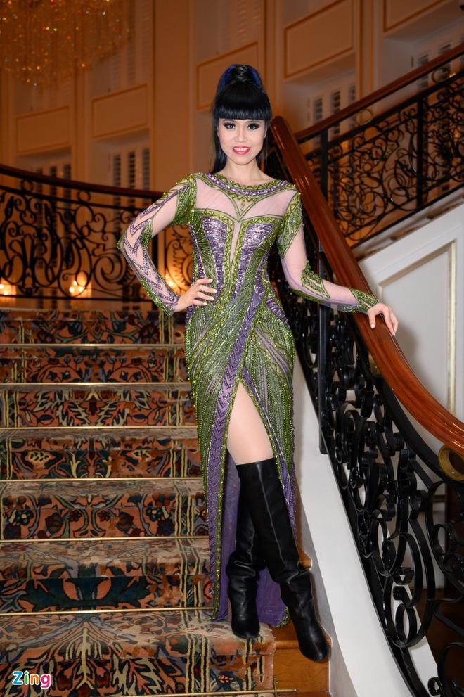H'Hen Niê và dàn hoa hậu so kè váy áo ở show thời trang Hoàng Hải Ảnh 14