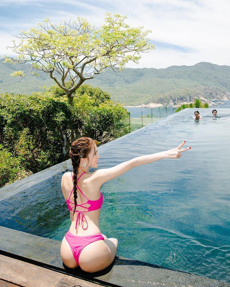 Ngọc Trinh tung ảnh bikini mừng sinh nhật tuổi 31 Ảnh 2
