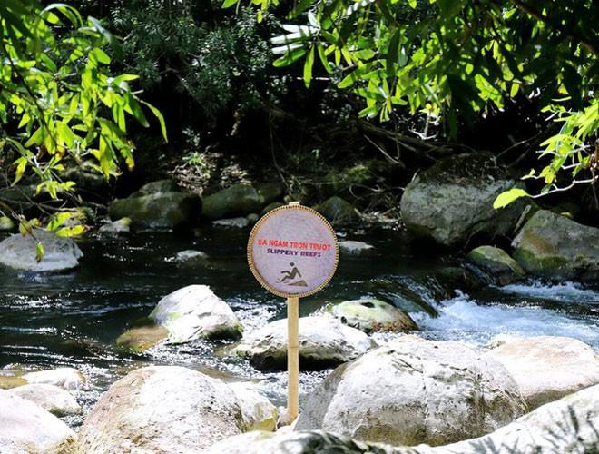 Suối nước Moọc, điểm đến không thể bỏ qua ở Quảng Bình Ảnh 4