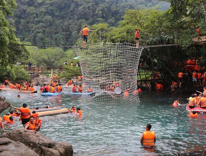 Suối nước Moọc, điểm đến không thể bỏ qua ở Quảng Bình Ảnh 5