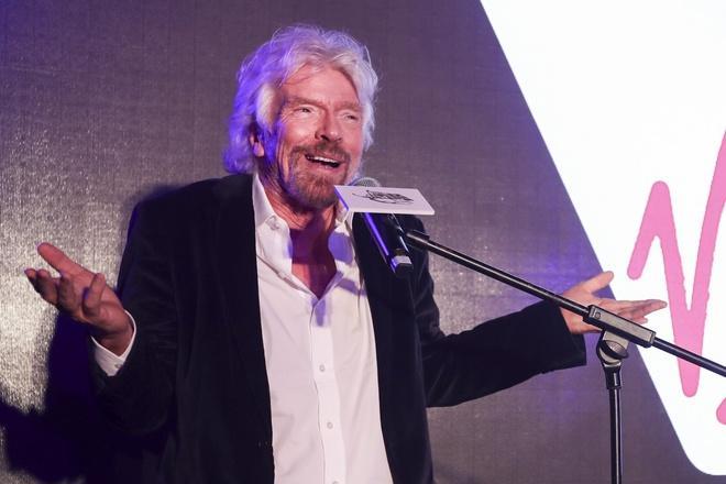Những khoảnh khắc kỳ lạ trong cuộc đời tỷ phú lập dị Richard Branson Ảnh 1