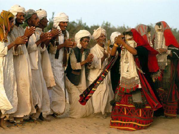 Ở nơi chỉ được cưới người cùng bộ lạc Ảnh 1