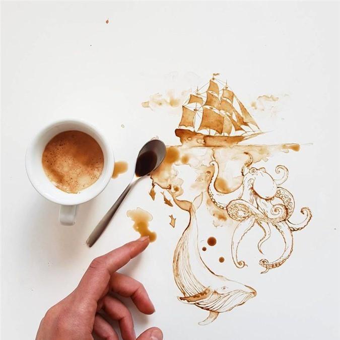 Không thể tin tác phẩm tuyệt đẹp này được vẽ từ trà, cafe đổ Ảnh 1