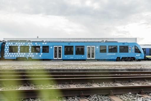 Cận cảnh tàu hỏa chạy bằng không khí đầu tiên trên thế giới Ảnh 10