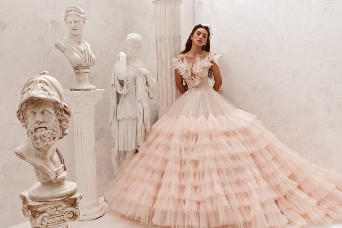 Hoa hậu Tiểu Vy hóa nữ thần trễ nải, dung mạo quyến rũ ai nhìn cũng đắm say Ảnh 10