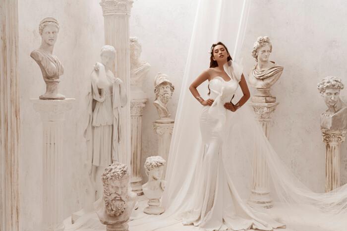 Hoa hậu Tiểu Vy hóa nữ thần trễ nải, dung mạo quyến rũ ai nhìn cũng đắm say Ảnh 15