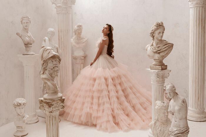 Hoa hậu Tiểu Vy hóa nữ thần trễ nải, dung mạo quyến rũ ai nhìn cũng đắm say Ảnh 9