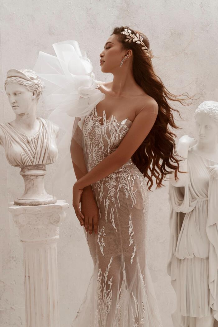 Hoa hậu Tiểu Vy hóa nữ thần trễ nải, dung mạo quyến rũ ai nhìn cũng đắm say Ảnh 14