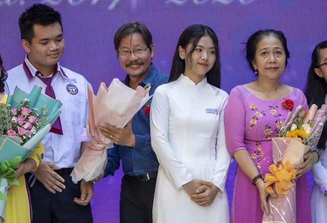 Ngày chia tay cuối cấp của học sinh Trường THPT Trưng Vương Ảnh 3
