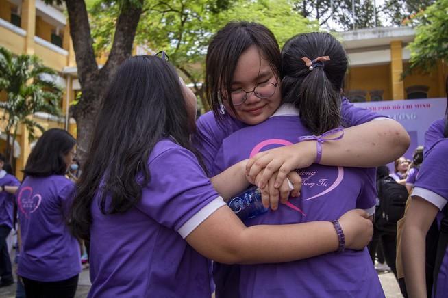 Ngày chia tay cuối cấp của học sinh Trường THPT Trưng Vương Ảnh 11