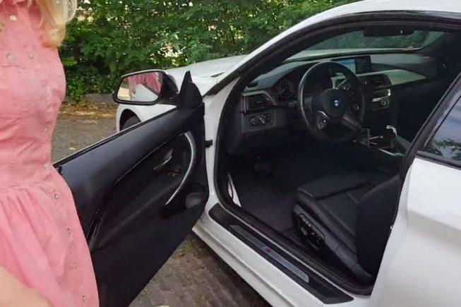 Muốn ô tô mát lạnh, hãy đóng mở cửa xe bên phụ nhiều lần Ảnh 1