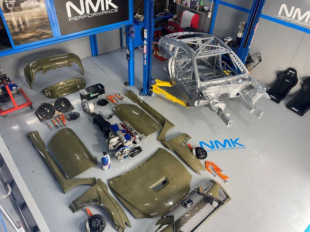 Lexus RC F Carbon Kelvar - xe thể thao siêu nhẹ mạnh 1.200 mã lực Ảnh 4