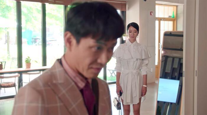 'Điên nữ' Seo Ye Ji gây bão mạng xã hội Hàn với phục sức hơn 2 tỷ đồng Ảnh 3