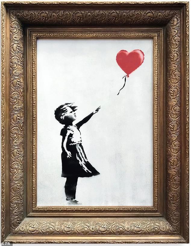 Sửng sốt bức tranh của Banksy trị giá 31 tỷ đồng tự động bị tiêu hủy Ảnh 8