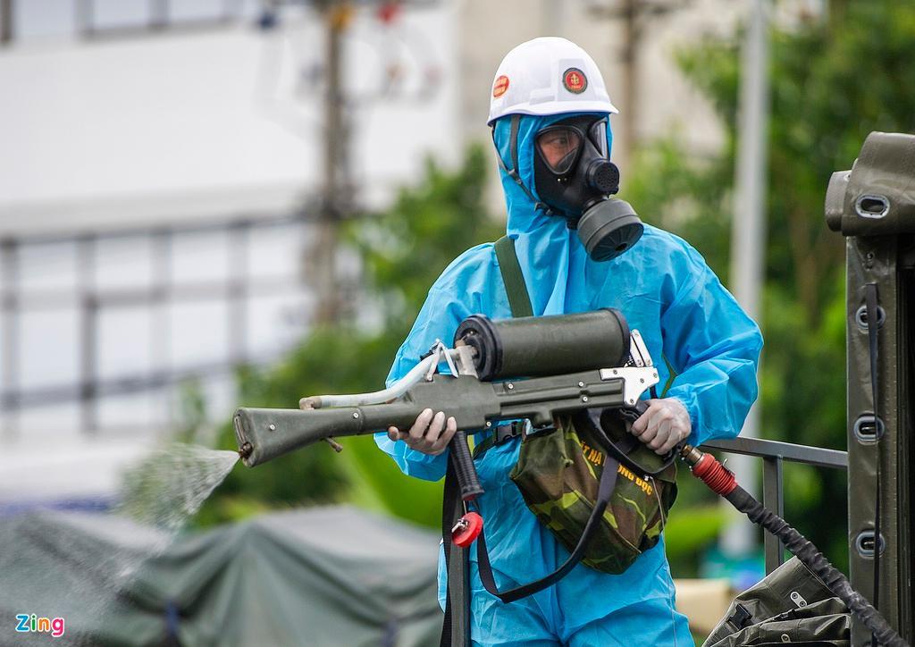 7 xe chuyên dụng trong đợt phun hóa chất quy mô lớn nhất tại Đà Nẵng Ảnh 6