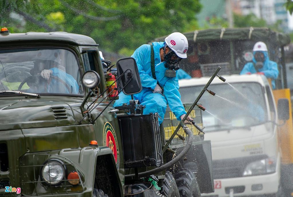 7 xe chuyên dụng trong đợt phun hóa chất quy mô lớn nhất tại Đà Nẵng Ảnh 5