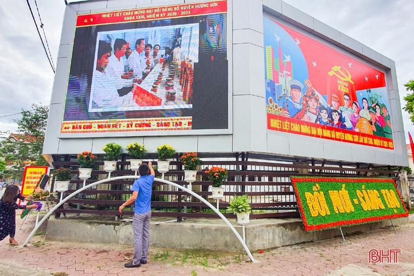 Hương Sơn rực rỡ cờ hoa trước ngày hội lớn Ảnh 7