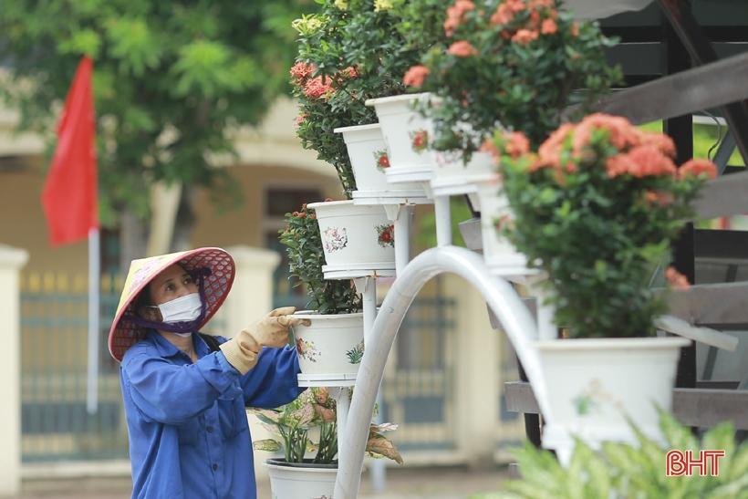 Hương Sơn rực rỡ cờ hoa trước ngày hội lớn Ảnh 6