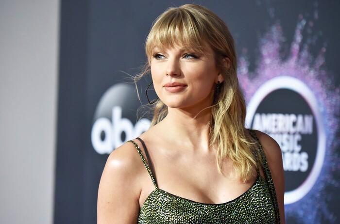 Folklore debut #1 Billboard Hot 200, Taylor Swift chính thức vượt mặt Beyonce và thiết lập nên kỷ lục 'vô tiền khoáng hậu' Ảnh 3