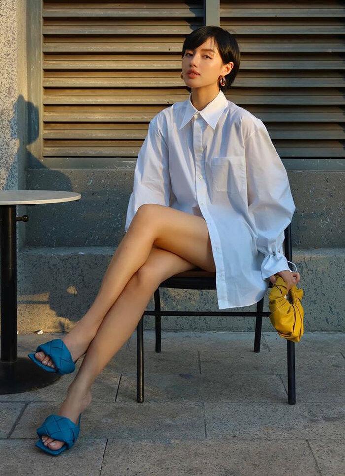 Mặc style giấu quần, Linh Ka, Midu khiến khán giả dụi mắt nhiều lần vì tưởng nhìn nhầm Ảnh 3