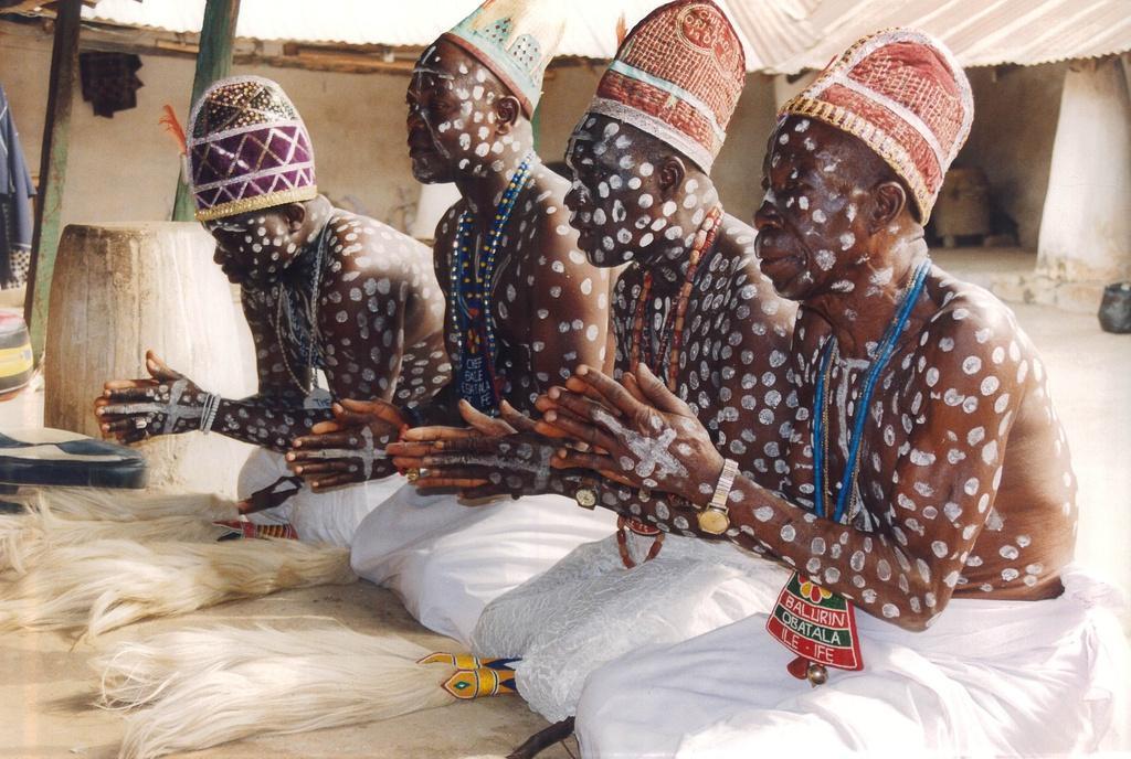 Các bộ lạc châu Phi vẫn sống du mục, tự cung tự cấp Ảnh 4