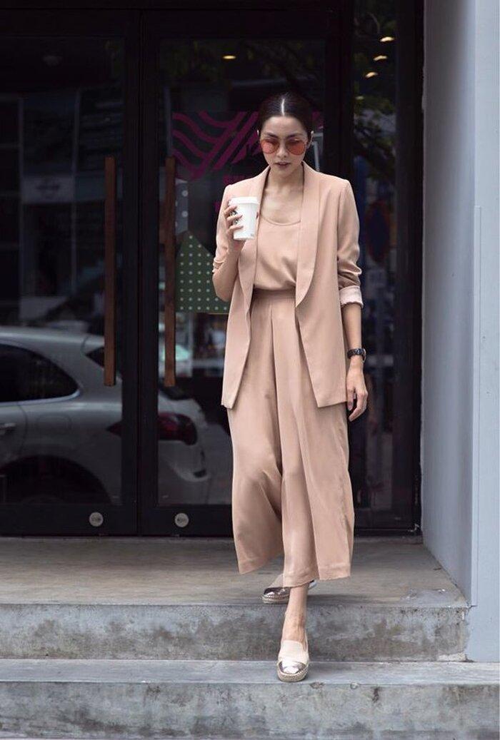 Hà Tăng mặc gì cũng đẹp, chỉ riêng kiểu đồ đơn giản này là lộ hết khuyết điểm Ảnh 2