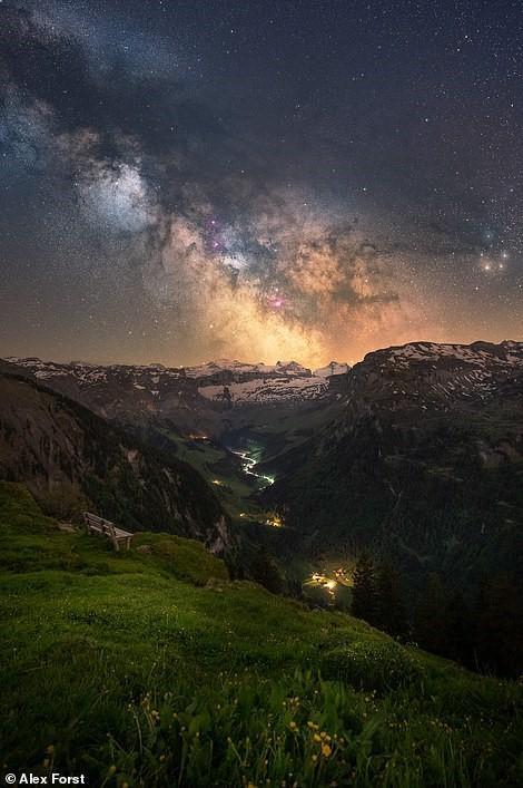 Chiêm ngưỡng vẻ đẹp mê hồn bầu trời đêm đầy sao ở Thụy Sĩ Ảnh 7