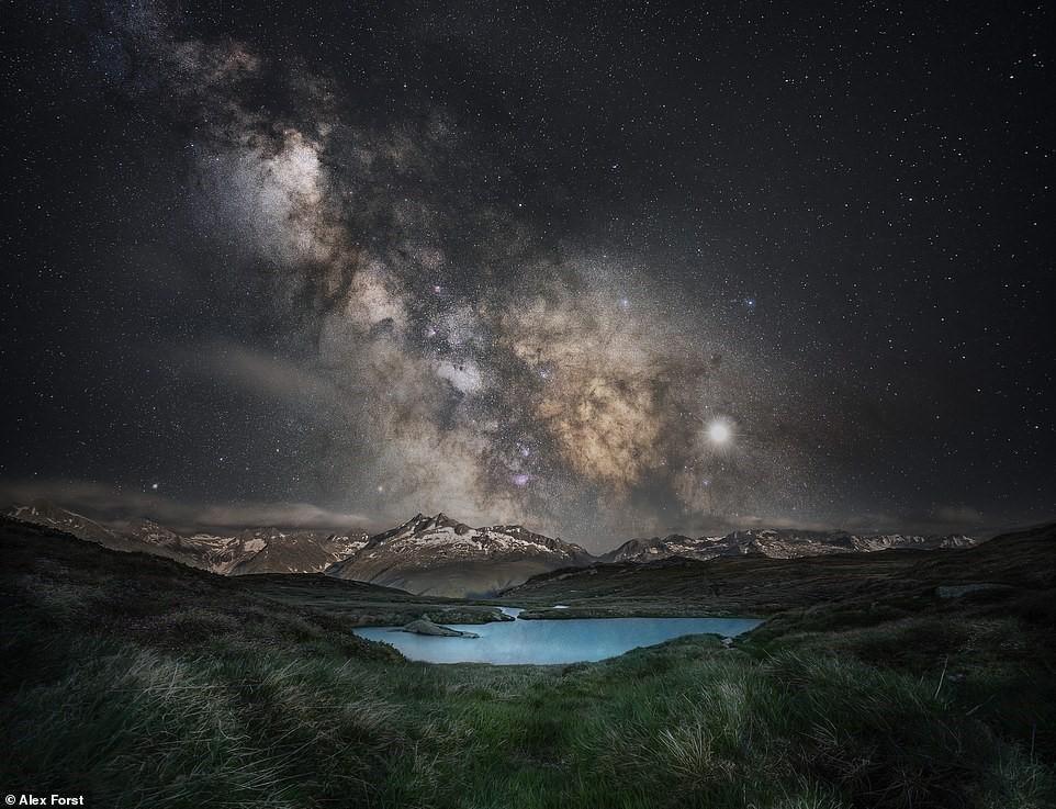 Chiêm ngưỡng vẻ đẹp mê hồn bầu trời đêm đầy sao ở Thụy Sĩ Ảnh 19