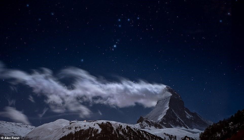Chiêm ngưỡng vẻ đẹp mê hồn bầu trời đêm đầy sao ở Thụy Sĩ Ảnh 14