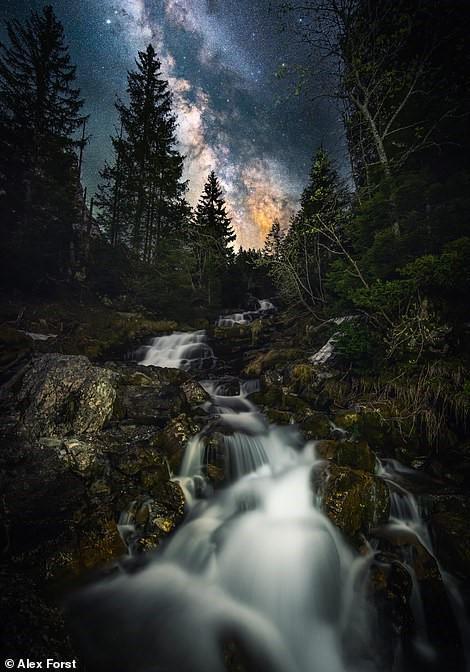 Chiêm ngưỡng vẻ đẹp mê hồn bầu trời đêm đầy sao ở Thụy Sĩ Ảnh 3